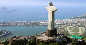 A Lagoa vista ao fundo do Cristo Redentor.