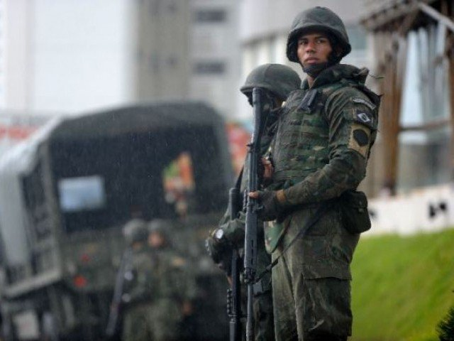 Brazilian army takes over Rio